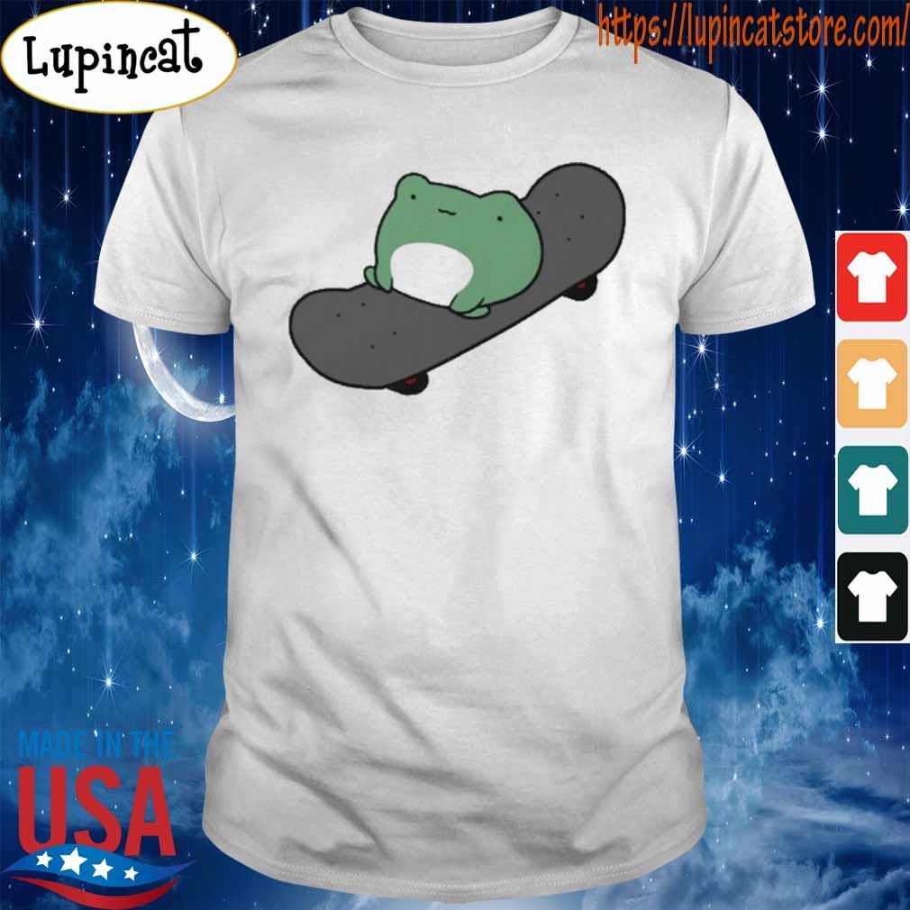 Skateboarding Frog Essential shirt